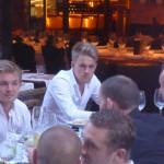 Nico Rosberg (à gauche)